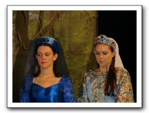 Michele Spencer (Lady Anne), Camela Ebaugh (Lady Cybil) <br />(Ladies of the Court)&#8221;></a></td> </tr> <tr> <td height=