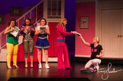 Evie Korovesis (Margo), Erica Wisniewski (Pilar), Claire O'Brien (Serena), Maureen Rohn (Elle), Jaclyn Young (Kate)