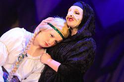 Witch (Emily Hidle), Rapunzel (Elizabeth Carlisle)