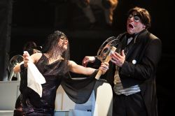 Kathy Gordon as Olivia and Irakli Kavsadze as Malvolio