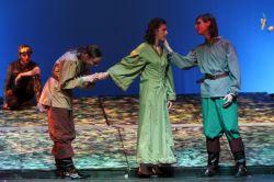 Ian McClary (Lysander), Rebecca Frank (Helena), Peter Eckel (Demetrius)